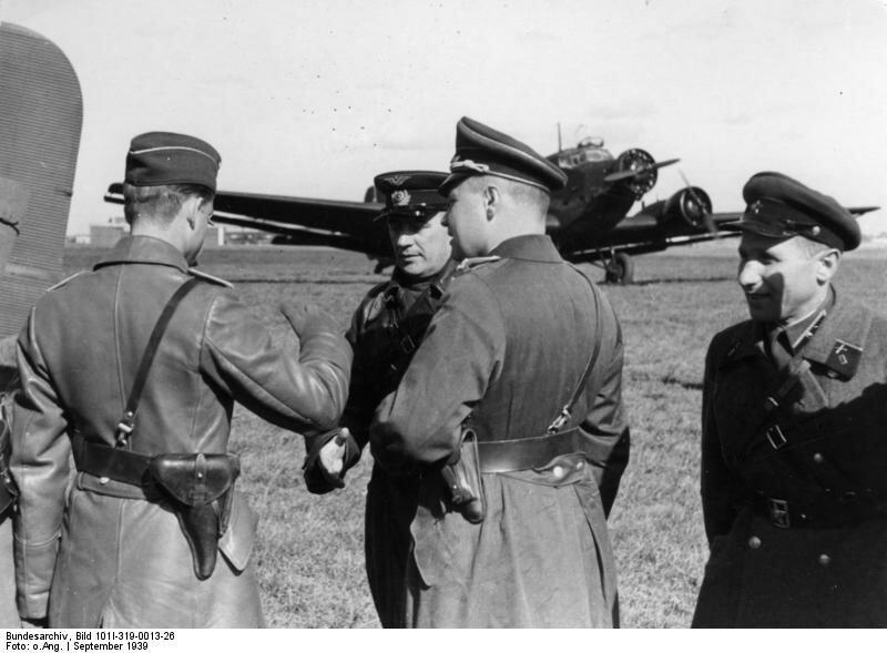 Polen, Treffen dtsch. und sowjet. Militдrs