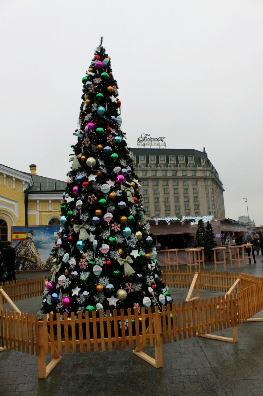 Новогодняя ёлка на Почтовой площади