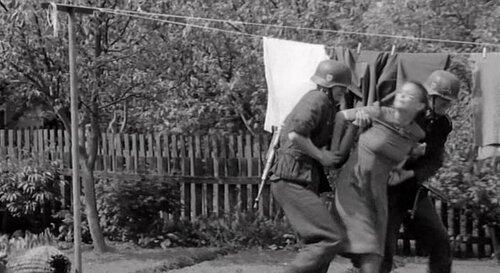 4Секс во время войны с пленниками