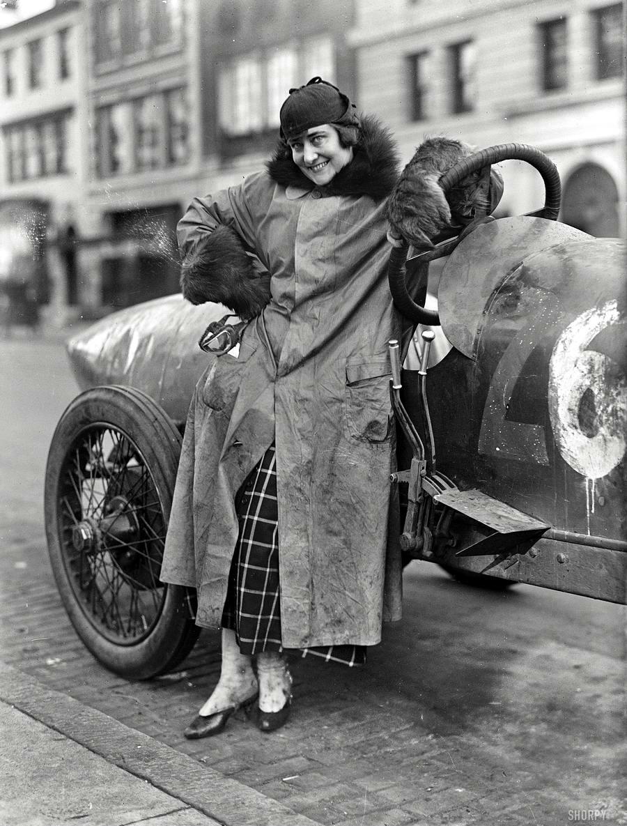 Автомобили и девушки начала 20-го века на снимках американских фотографов (8)