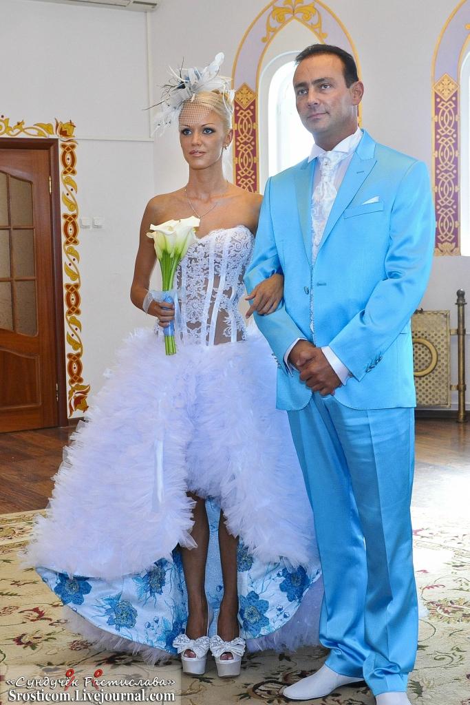 Одеть на свадьбу кроме костюма