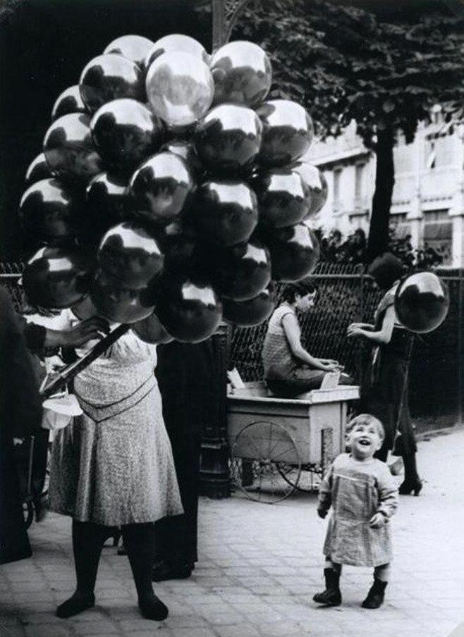 1931. Торговец шарами