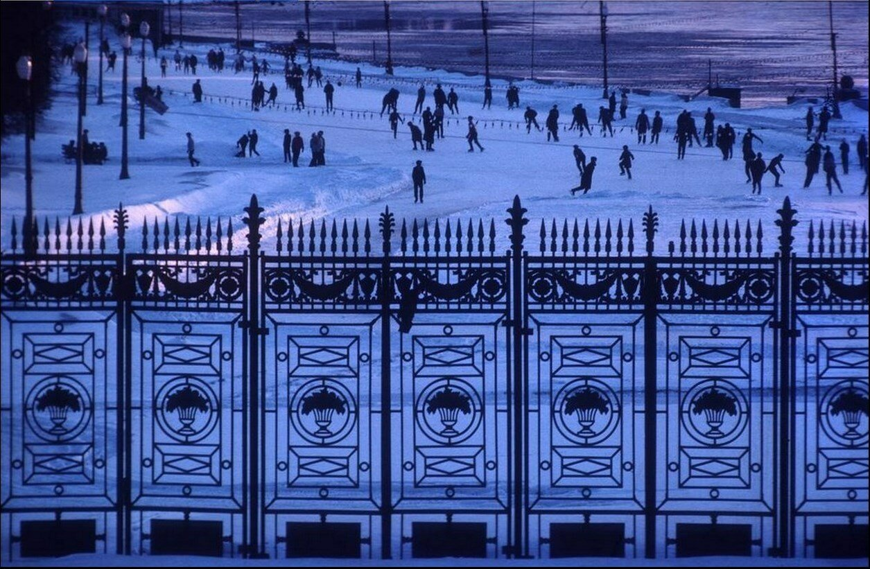Москва. Катание на коньках в Парке Горького