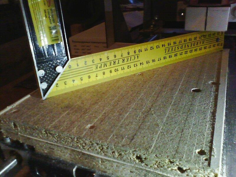 Рраптор выравнивает деревянный столик-09.jpg
