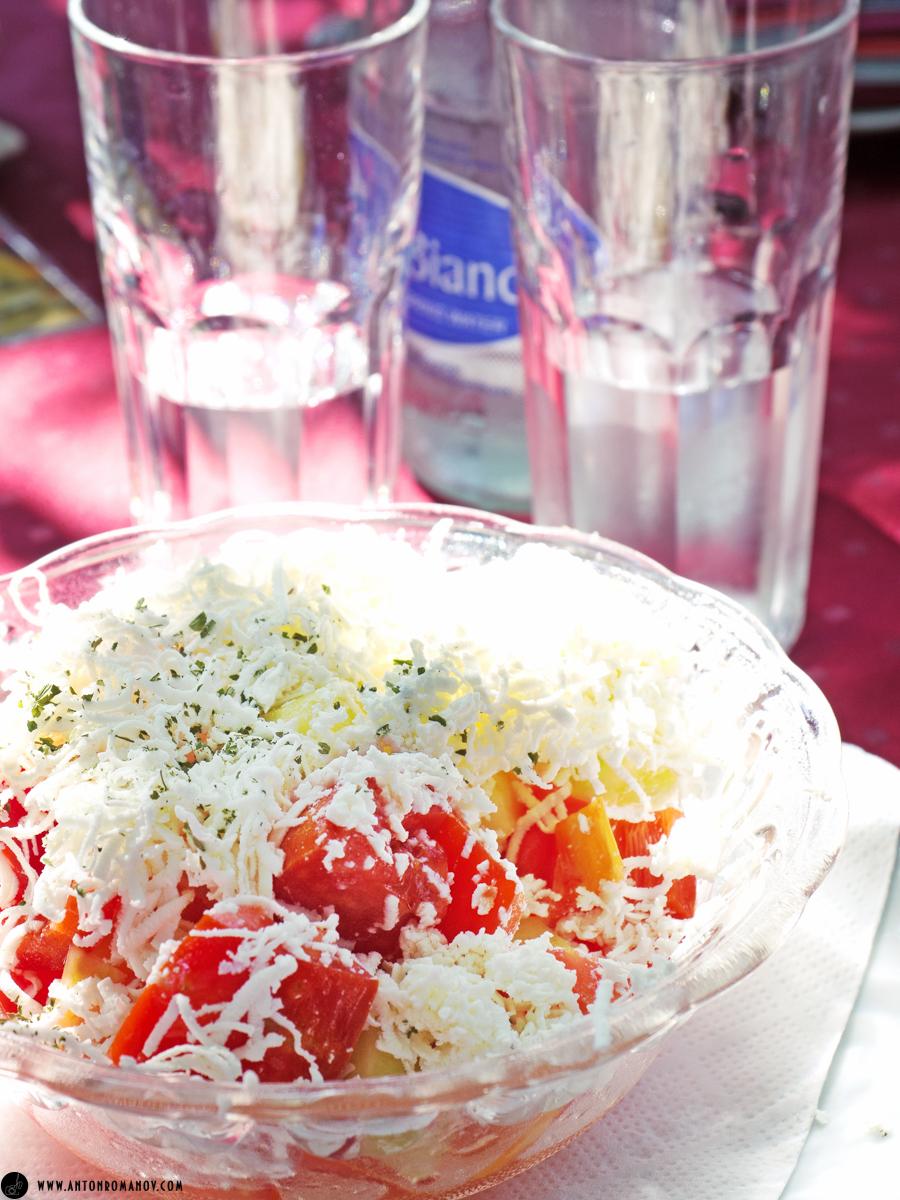 Котор. Черногория. Шопский салат