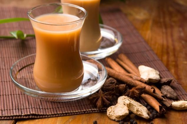 Индийский напиток масала с приятным пряным вкусом станет вашим верным помощником в войне с лишни