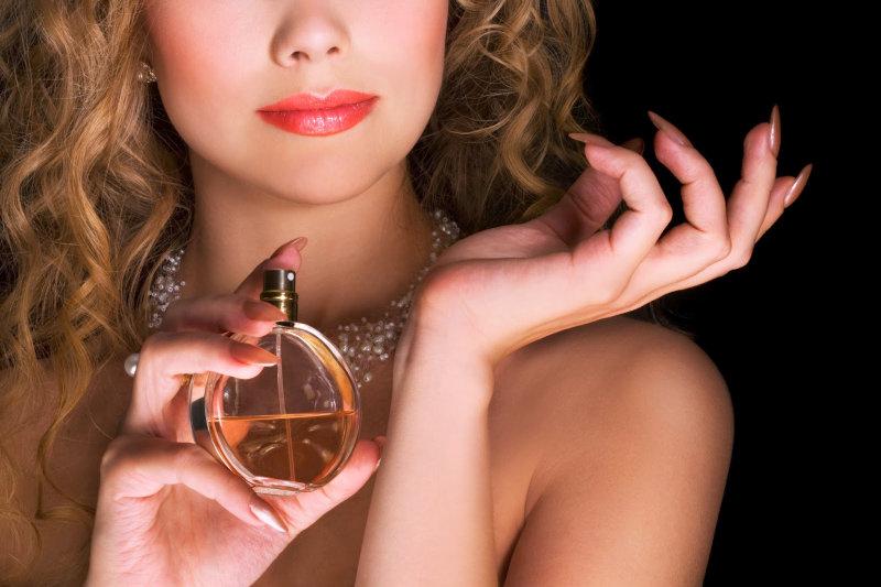 Для вечернего выхода или свидания можно позволить себе некоторое разнообразие выбора запахов, ру