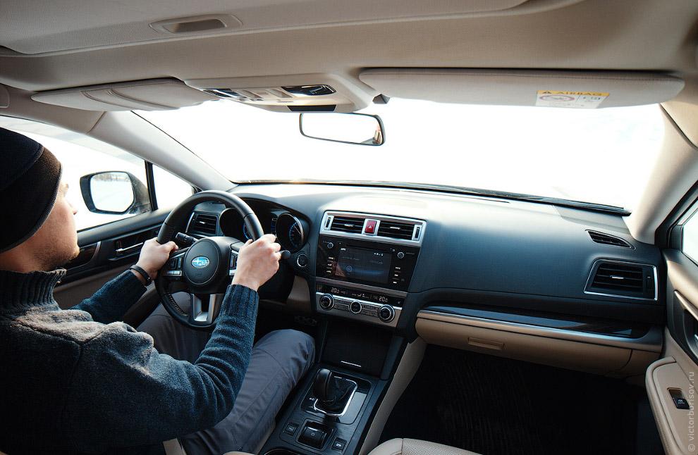 21. Во время боковых скольжений вы управляете автомобилем только с помощью педали газа. Если ва