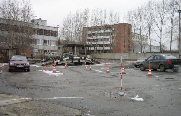 Жители шести российских регионов остались без автошкол