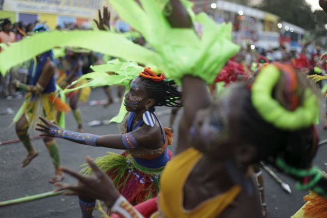 Revellers take part in the Carnival 2016 parade in Port-au-Prince, Haiti, February 8, 2016. (Photo b
