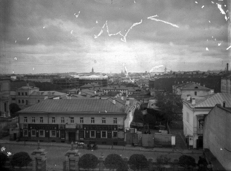 418870 Вид на окрестности из дома, принадлежавшего купцам Востряковым кон.1890-х А. В. Живаго.jpg