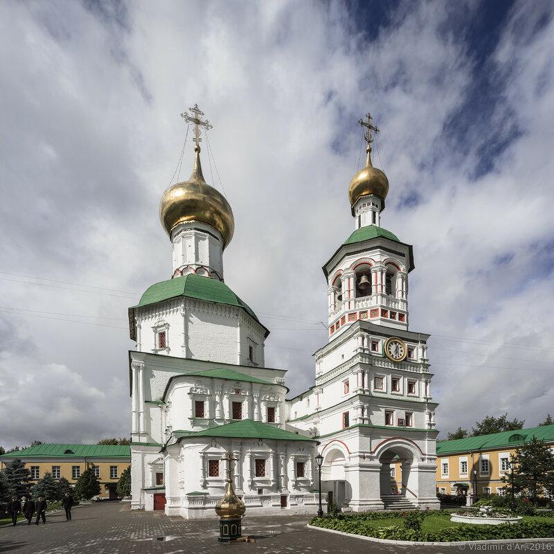 Колокольня с церковью Успения Пресвятой Богородицы, церковь Успения Пресвятой Богородицы.