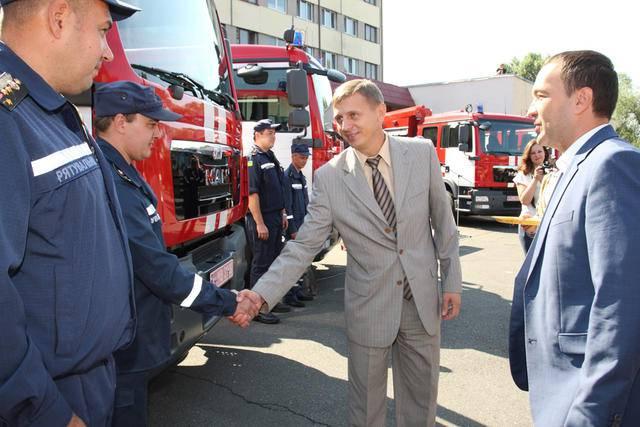 Спасатели Киева и Луганщины получили новые пожарные автомобили. ФОТО+ВИДЕО