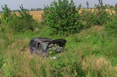 Наалтайской трассе перевернулась иностранная машина , шофёр  умер