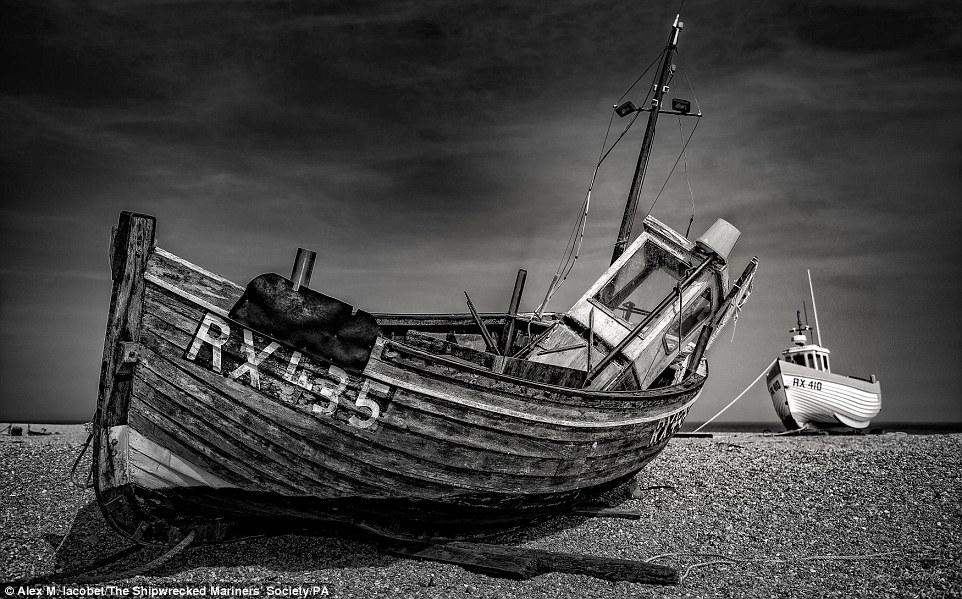 Победитель в категории «Прибрежный пейзаж». Маяк в деревне Talacre к северу от побережья Уэльса. Фот