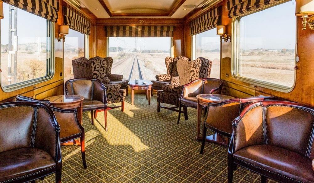 © luxurytrains.co.za  Поезд Blue Train курсирует между Кейптауном, Порт-Элизабетом иПреторией