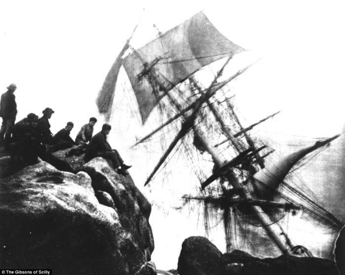 «The Bay of Panama» потерпел крушение во время жестокой метели в марте 1898 года, погибли 18 из 37 ч