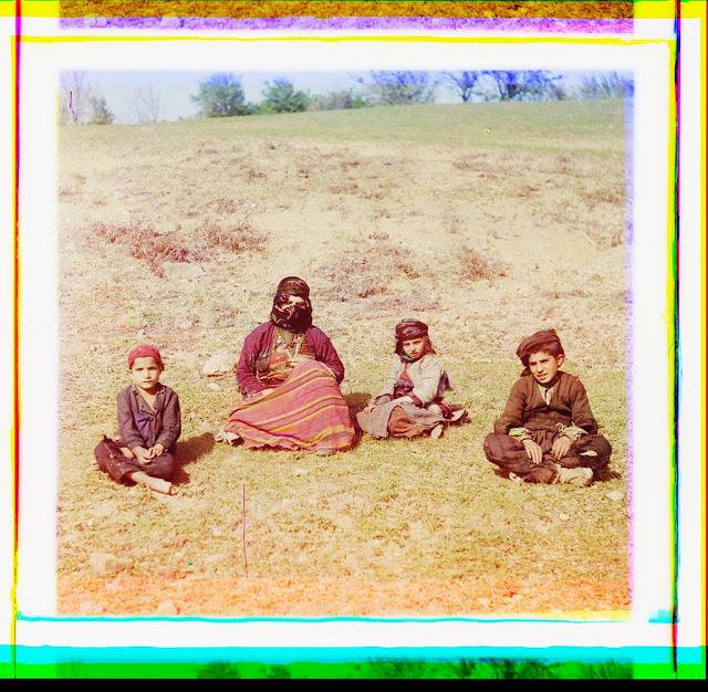 Цветные фотографии женщин Российской империи начала XX века (23 фото)