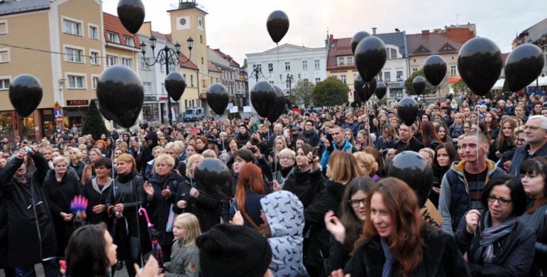 Власти Польши отказались отполного запрета нааборты