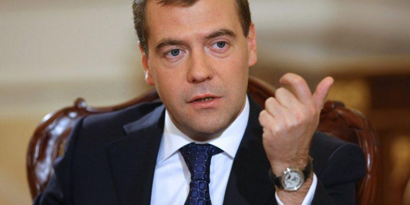 Медведев вУльяновске. премьер РФедет на«Авиастар» и«Аэрокомпозит»