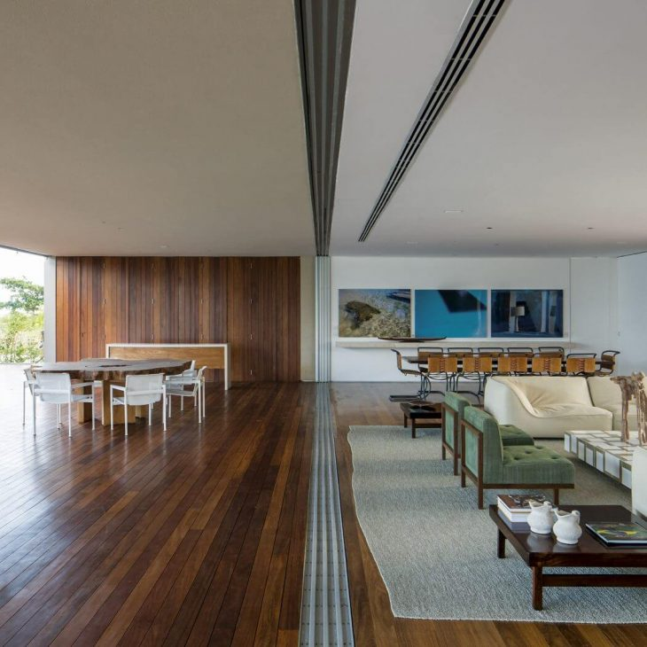 TM House by Studio Arthur Casas