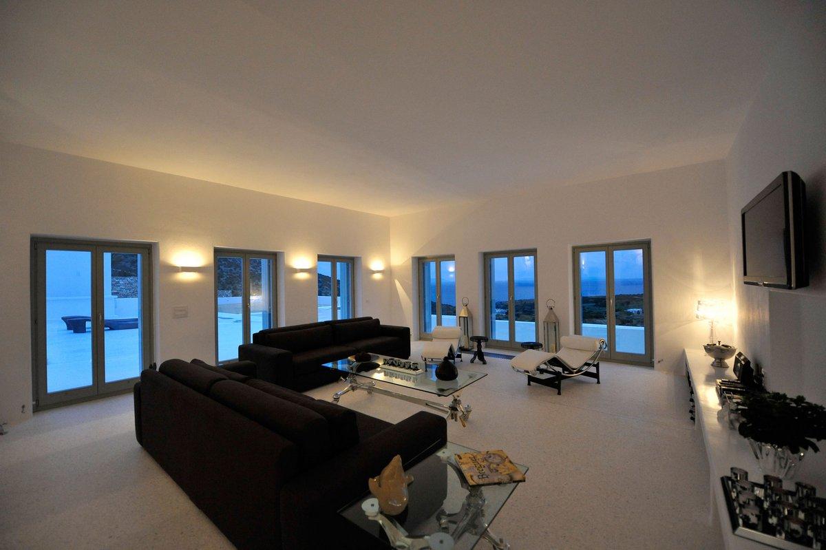 Освещение гостиной частного дома