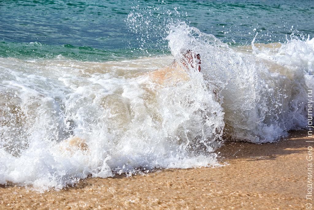 купание в море в Тунисе