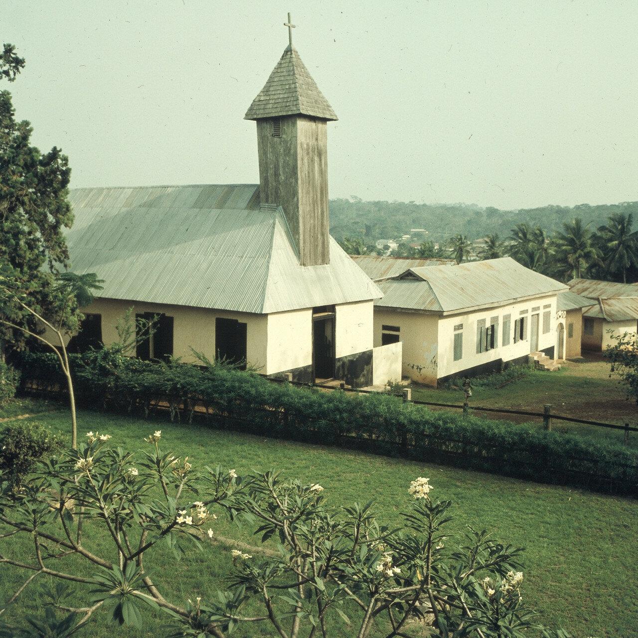 Мпраесо. Церковь