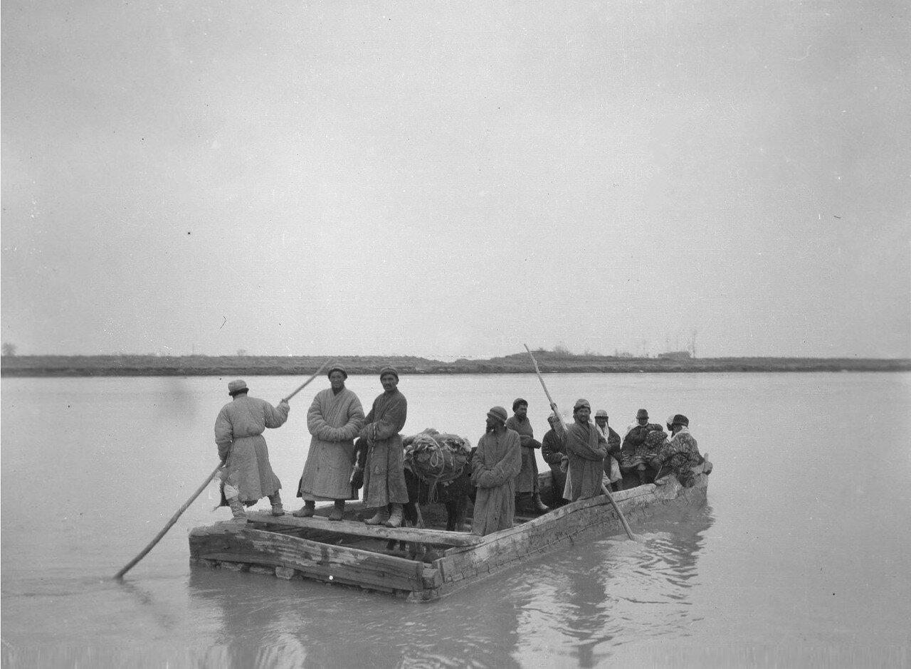 Окрестности Кашгара. Переправа через Аксу-дарью