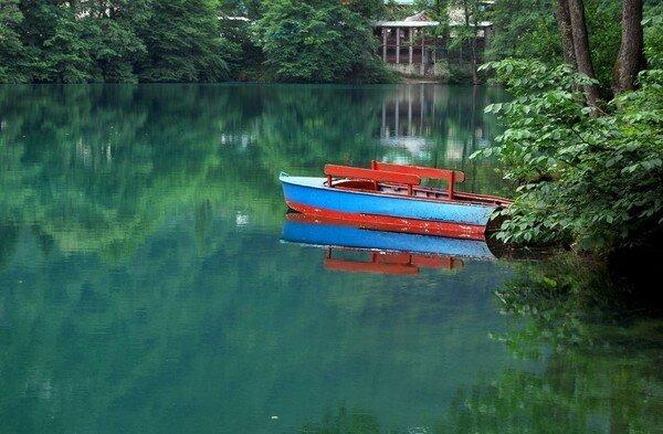 Голубое озеро.