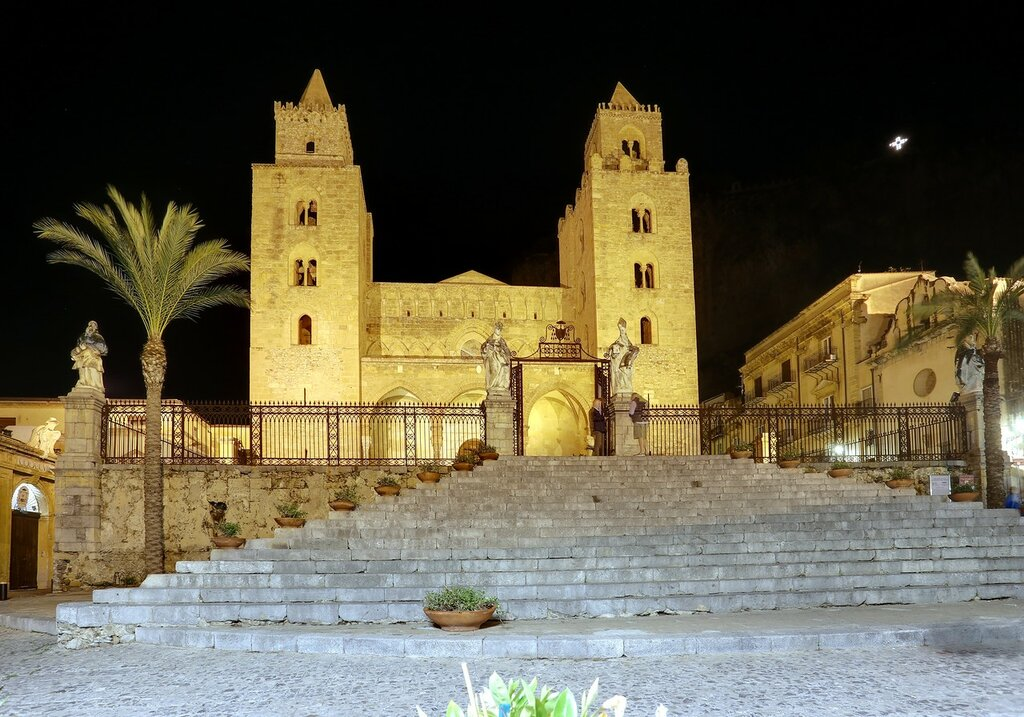 Night Cefalù