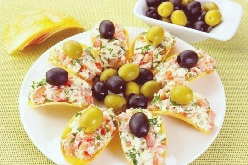 Праздничная закуска «5 минут»   Пикантные закуски канапе на чипсах
