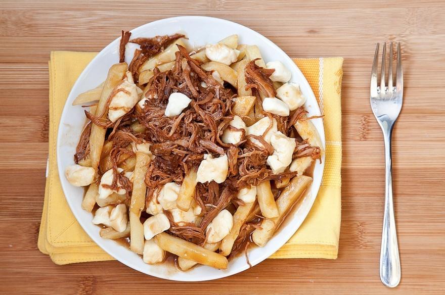 4. Канада Блюдо путин, родившееся в Квебеке, является очень калорийным. В его состав входят сыр и ка