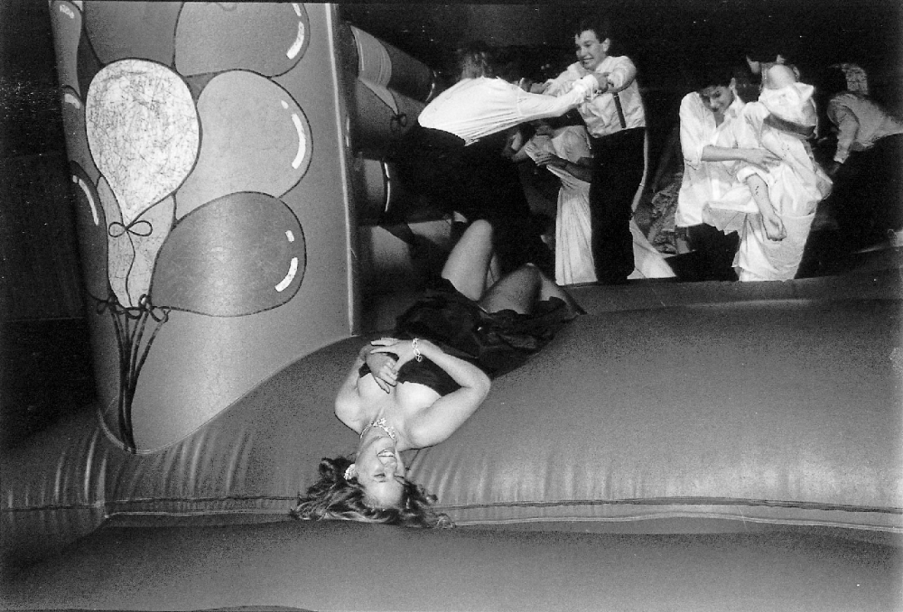 Кэтрин Пирсон на балу «Хитвейв» в отеле Grosvernor House, Лондон, 22 июля 1987 года.