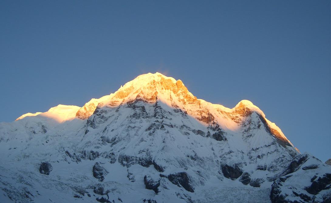 183 человека пытались подняться на эту гору. 61 одна из этих попыток закончилась смертью. С такими п