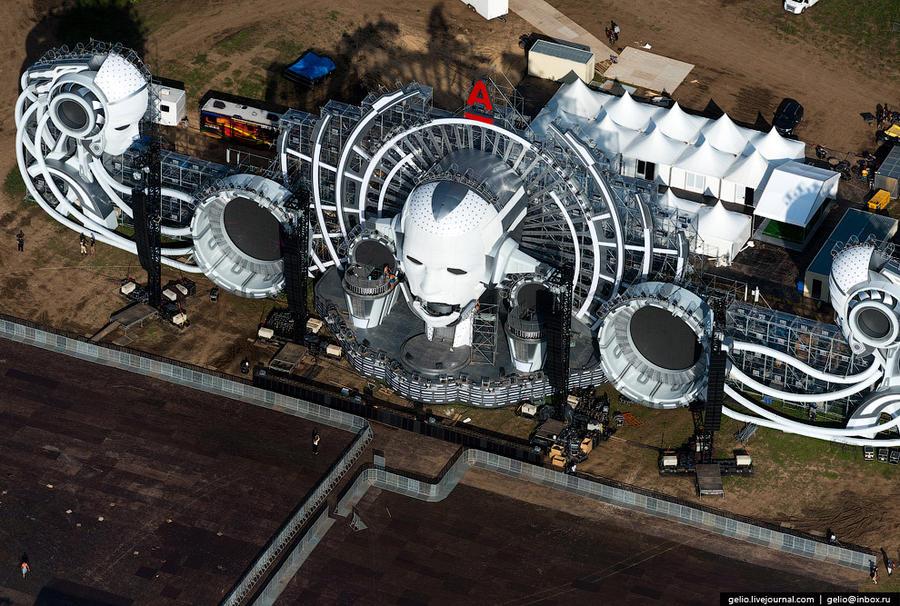69. Главная сцена фестиваля электронной музыки и технологий Alfa Future People.