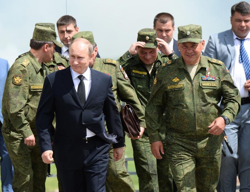 Владимир Путин обеспечил жильём бывших украинских военных вКрыму