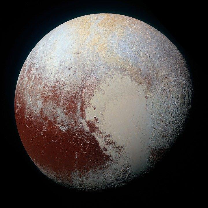 Огромную ледяную вышку обнаружили наПлутоне учёные НАСА