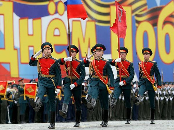 Парад Победы вПетербурге прошел без военных кораблей