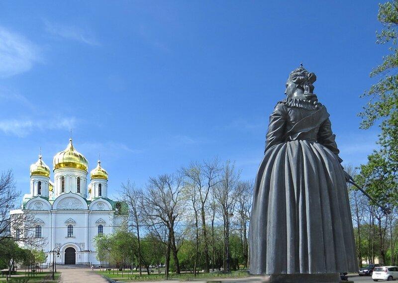 Екатерина Великая у Собора Святой Екатерины