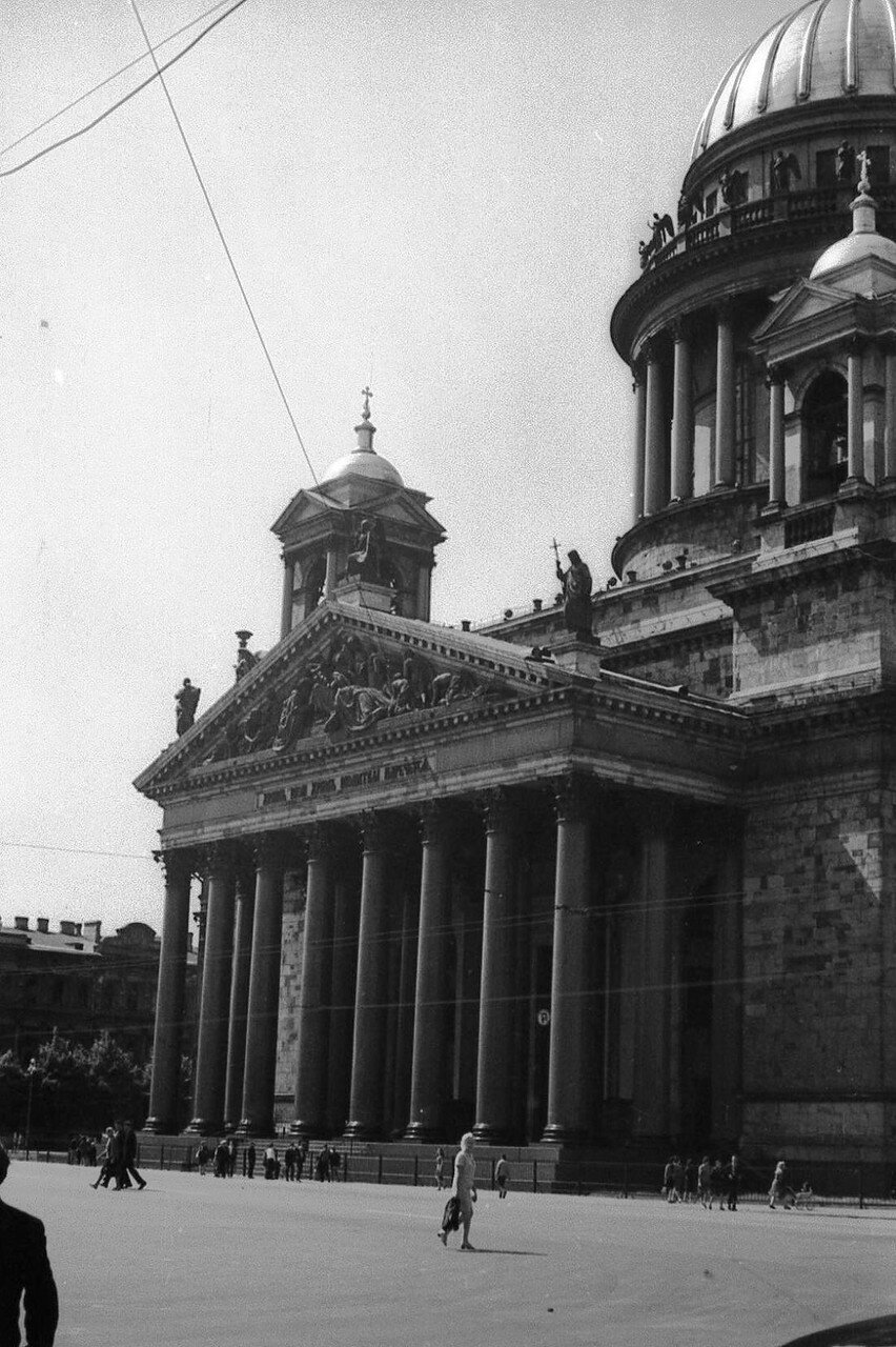 НАШ АДРЕС СОВЕТСКИЙ СОЮЗ.Первый раз в Ленинграде мы побывали в 1970г. Фото Н. Бродяного 002.jpg