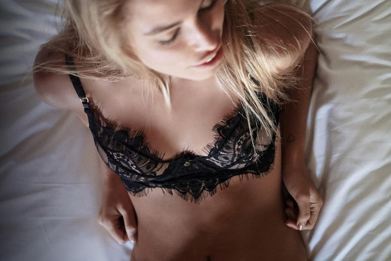 Джессика Гойкоэчеа в нижнем белье и купальниках Gooseberry Intimates 2016 - Jessica Goicoechea by Ron Flieger