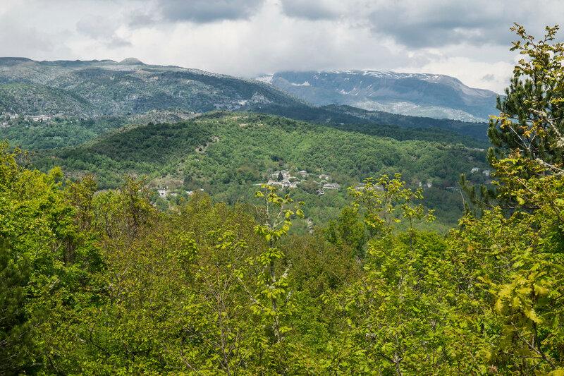 пейзаж с деревней Коукоули (Koukouli), Загория, Греция