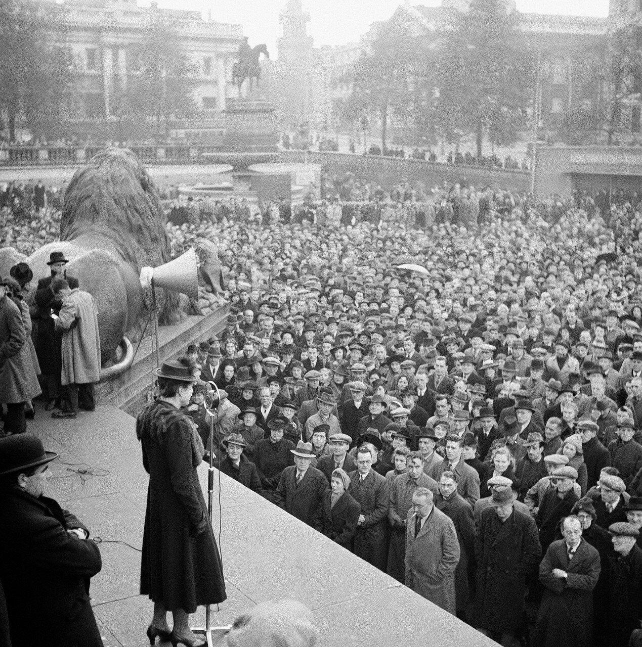 1941. 19 декабря. Массовая демонстрацию в поддержку Советского Союза