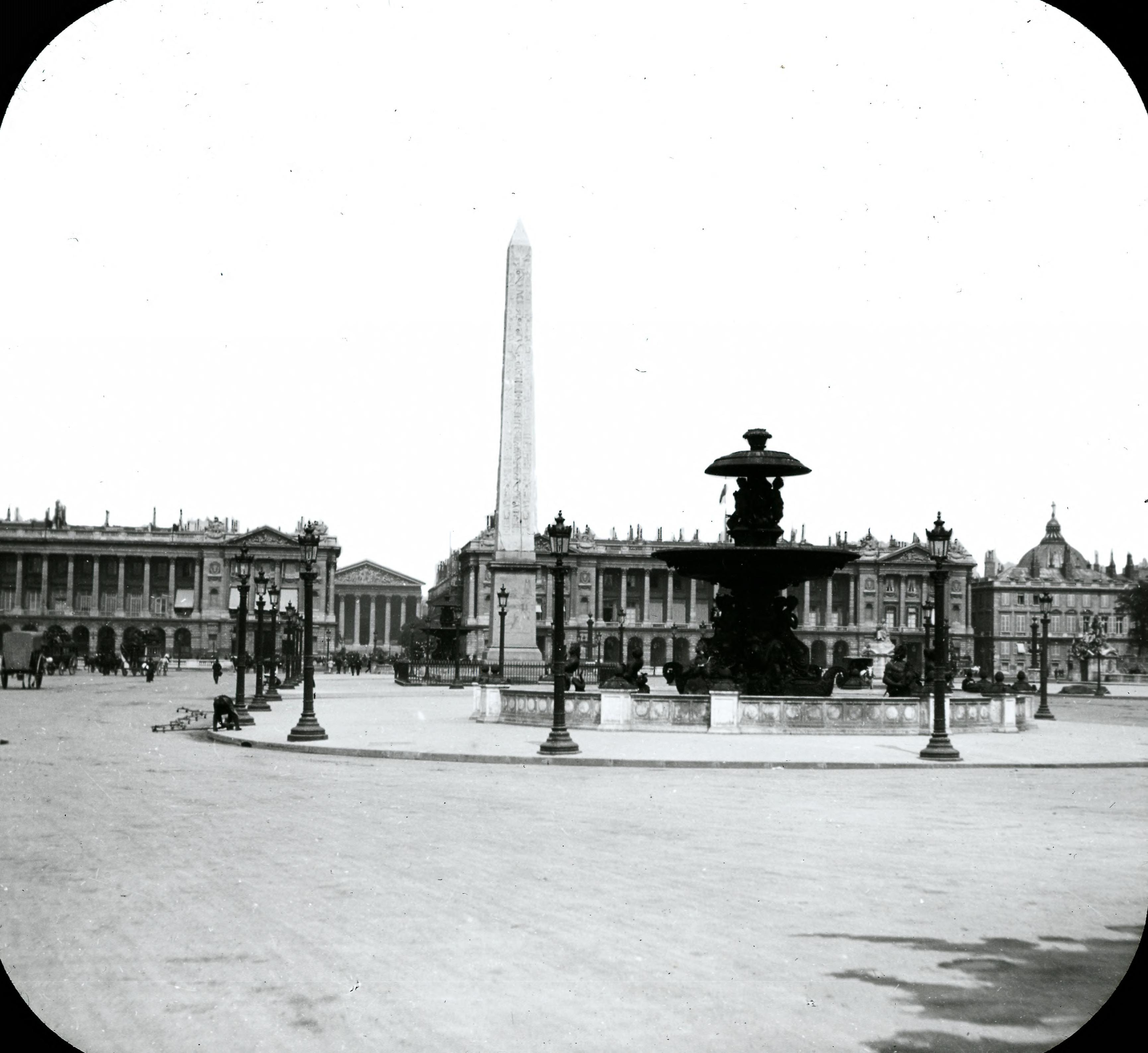 Площадь Согласия. Вид обелиска из Луксора