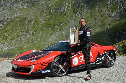 Автогонщик из Италии поставил рекорд по заезду на гору в Китае