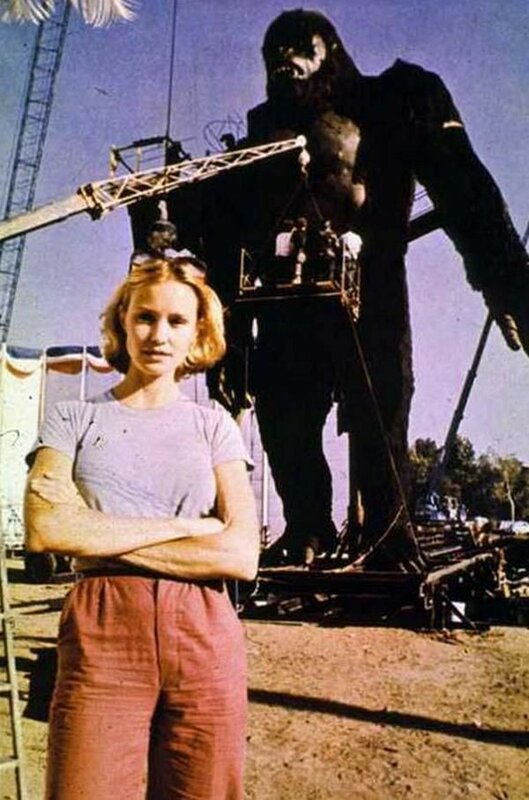 1976 Джессика Лэнг съёмках фильма Кинг-конг.jpg