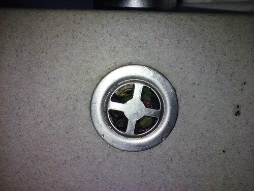 Вызов сантехника в квартиру с целью устранения засора канализации на кухне