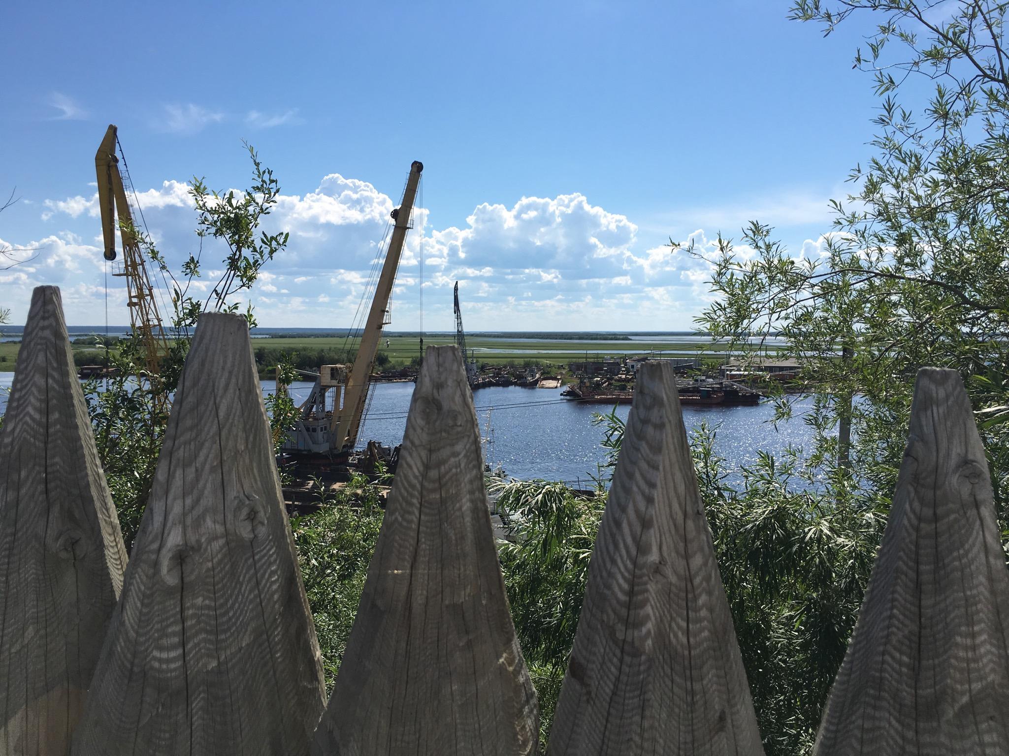 Вид со смотровой площадки у Острога на Обь...