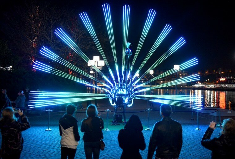 Light City: фотографии красочного фестиваля огней в Балтиморе 0 22c11b 885d2ef1 XL